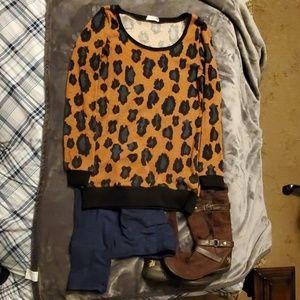 Sweater w/Leopard Spot Design